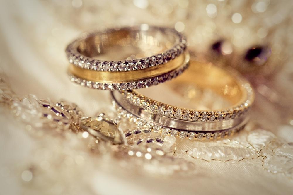 コラム【気に入った結婚指輪(婚約指輪)が大幅に予算外だった!どうする??】